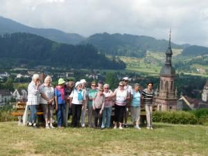 Die Bürgertreff-Wanderer - im Hintergrund Gengenbach